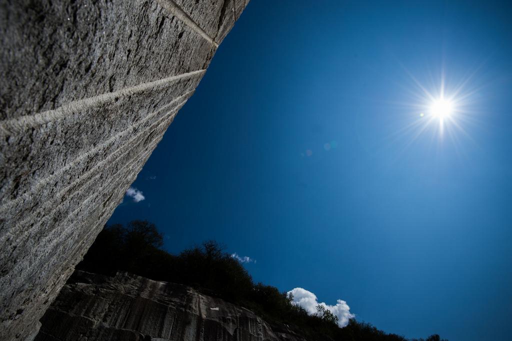 Der Cresciano Gneis fotografiert im Gotthard Steinbruch, Schweiz (Keystone/Samuel Golay)