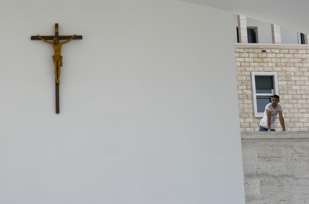 Letzte Vorbereitungen für den Papst-Besuch in Tirana, Albanien (Keystone/AP Photo/Visar Kryeziu)