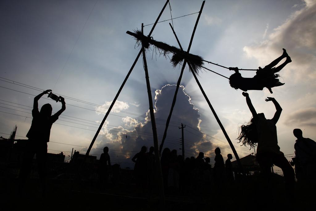 Kinderspiele bei einem Fest in Katmandu, Nepal (AP Photo/Niranjan Shrestha)