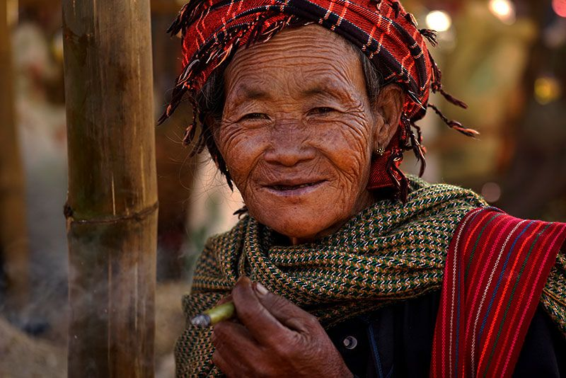 myanmar-elderly-pa-o-woman-portrait