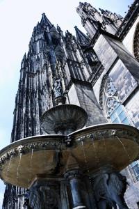 Kölner Dom in Schrägperspektive - (c) Iris Gobbers