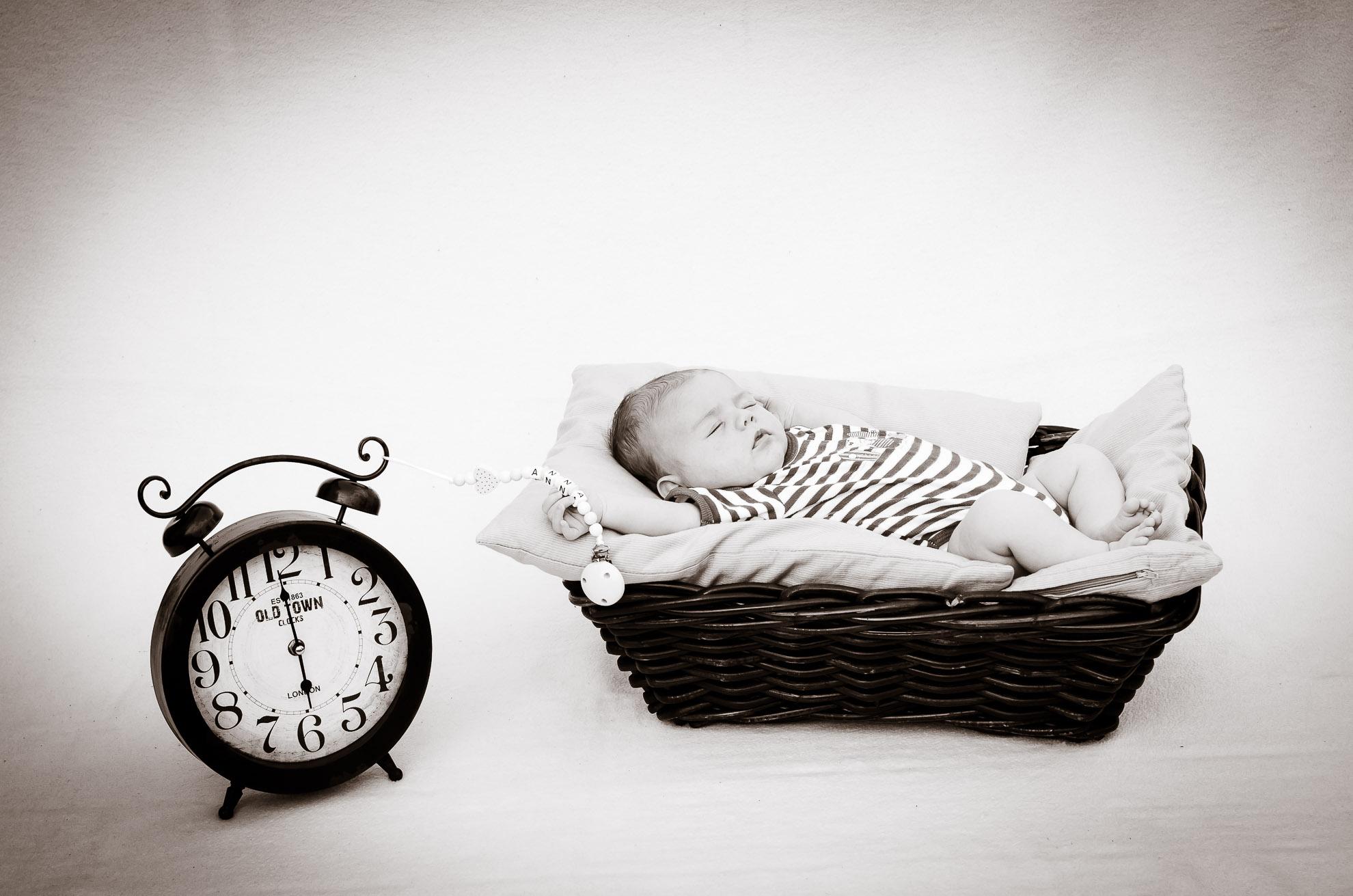 Anna, das Baby im Korb