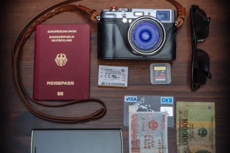 Kamera, Reisepass, Reisen, Geld, Sonnenbrille