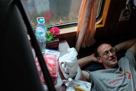 Zug, Nachtabteil, Pritsche, schlafen, Mann