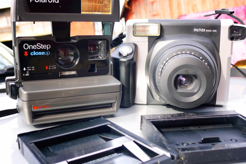 Polaroid 600/Fujifilm Instax Wide 300