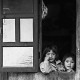 Bild 2: Zwei Kinder am Fenster, in Banaue, Philippinen 2015 - (c) Matthias Schlindwein