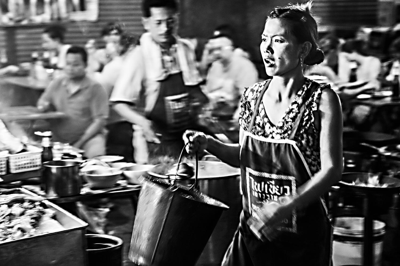 Bild 8: nächtliche Straßenküche in Bangkok, Thailand 2015 - (c) Matthias Schlindwein
