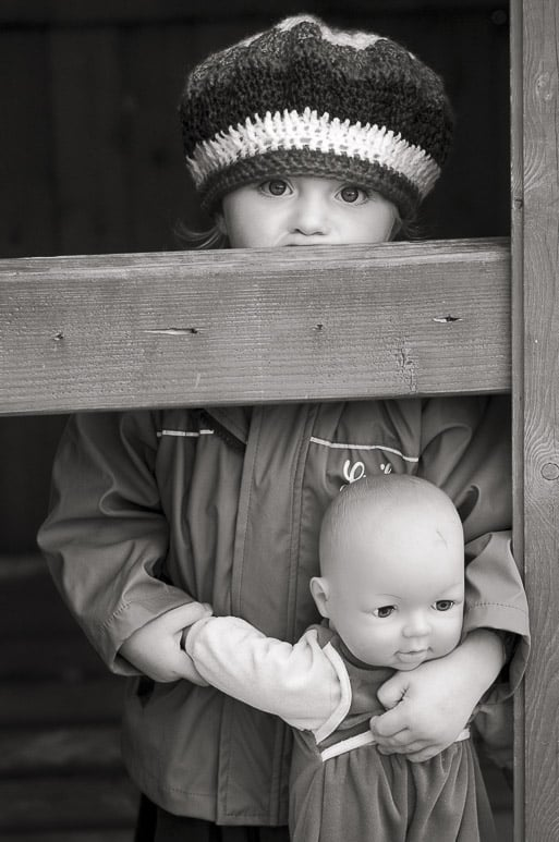 Schwarzweisses Kinderporträtfoto