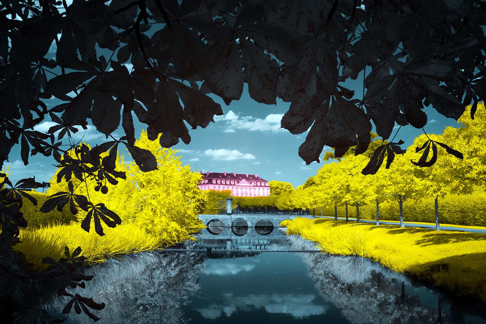 Schlosspark in Infrarot mit etwas Photoshop Kung Fu