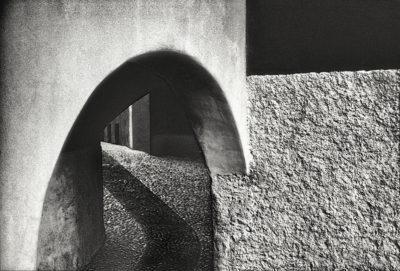 Gasse in Carona - analog fotografiert, gescannt.