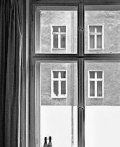 Fenstergeometrie Schwarz Weiss