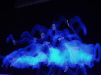 Blaue Geister, Schwarzlicht, Fotografie