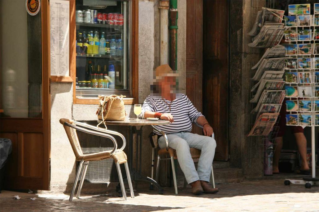 Der Mann im C afé in Mallorca