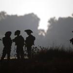 Israelische Soldaten bei einem Training auf den Golan Höhen (Keystone/AP Photo/Ariel Schalkt)