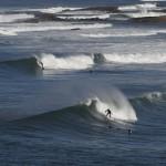 Surfen an der Küste vor Ericeira, Portugal (AP Photo/Francisco Seco)