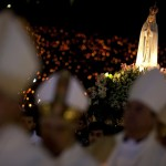 Nächtliche Prozession zur Heiligen Fatima, Fatima Portugal  EPA/PAULO CUNHA