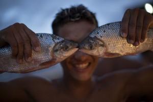 Fischauge: ein Händler in Manaus, Brasilien (AP Photo/Felipe Dana)