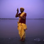 Abendgebet in Allahabad, Indien (Keystone/AP Photo/Rajesh Kumar Singh)