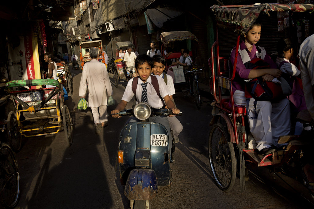 Morgendlicher Verkehr in Neu Delhi (AP Photo/Bernat Armangue)