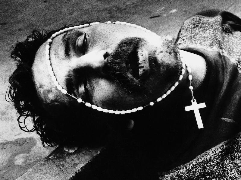 Miron Zownir, Moskau, 1995. Aus der Ausstellung KEN SCHLES/JEFFREY SILVERTHORNE/MIRON ZOWNIR, 5. Mai - 7. August 2016 im Haus der Photographie/Deichtorhallen Hamburg.