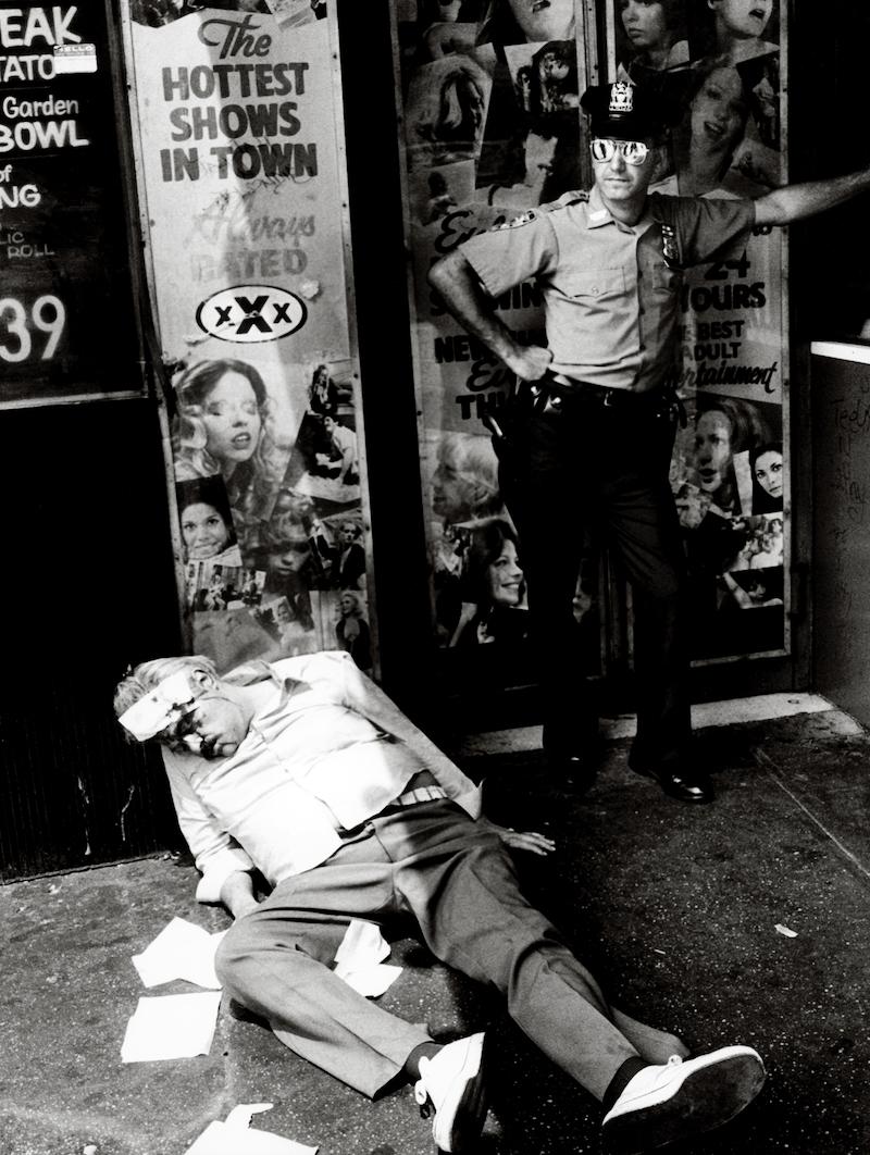 Miron Zownir, New York City, 1982. Aus der Ausstellung KEN SCHLES/JEFFREY SILVERTHORNE/MIRON ZOWNIR, 5. Mai - 7. August 2016 im Haus der Photographie/Deichtorhallen Hamburg.